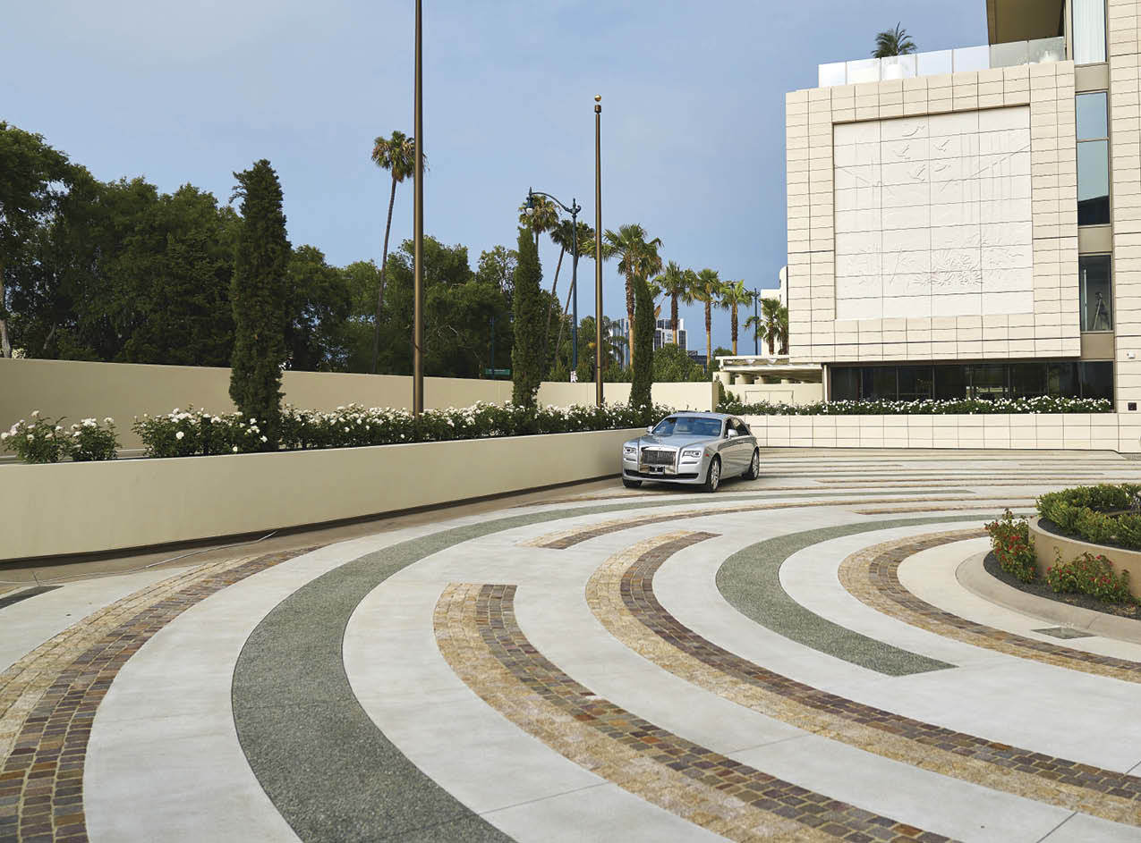 Large Designs are a Top Trend in Decorative Concrete