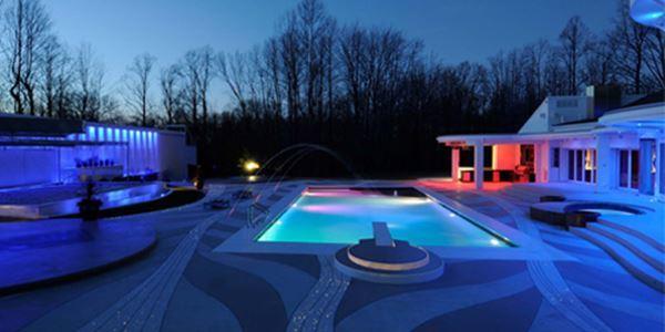 A Cutting-Edge, High-tech Ohio Outdoor Living Space