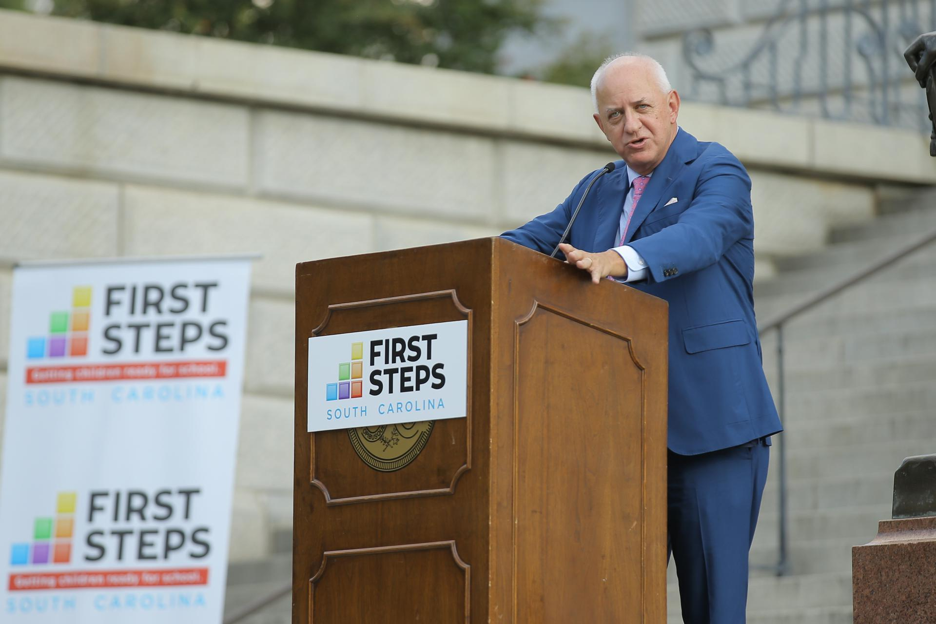 Former Governor Jim Hodges addresses the SC First Steps supporters.