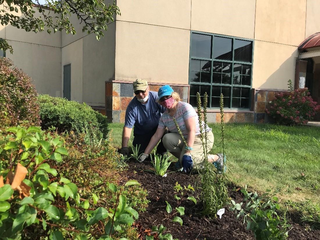 Greenbush Garden club volunteers